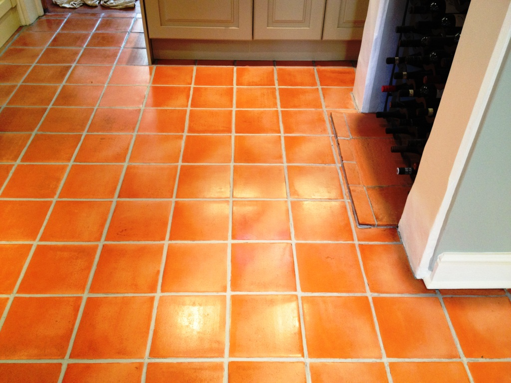 Tiled floor oxfordshire tile doctor terracotta tiled floor thame after cleaning and sealing dailygadgetfo Image collections