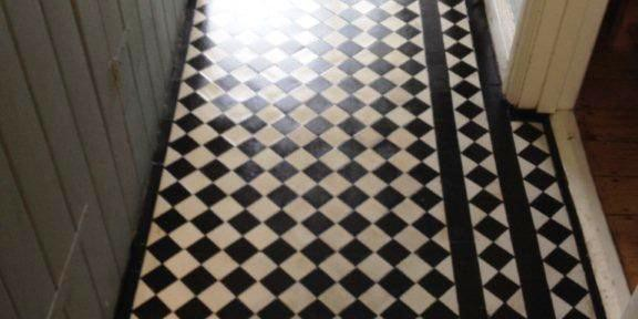 Restoring a Victorian Tiled Floor in Oxford hidden under Parquet