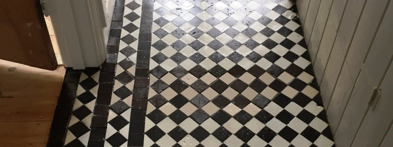 Full restoration of a Victorian tiled floor in Oxford