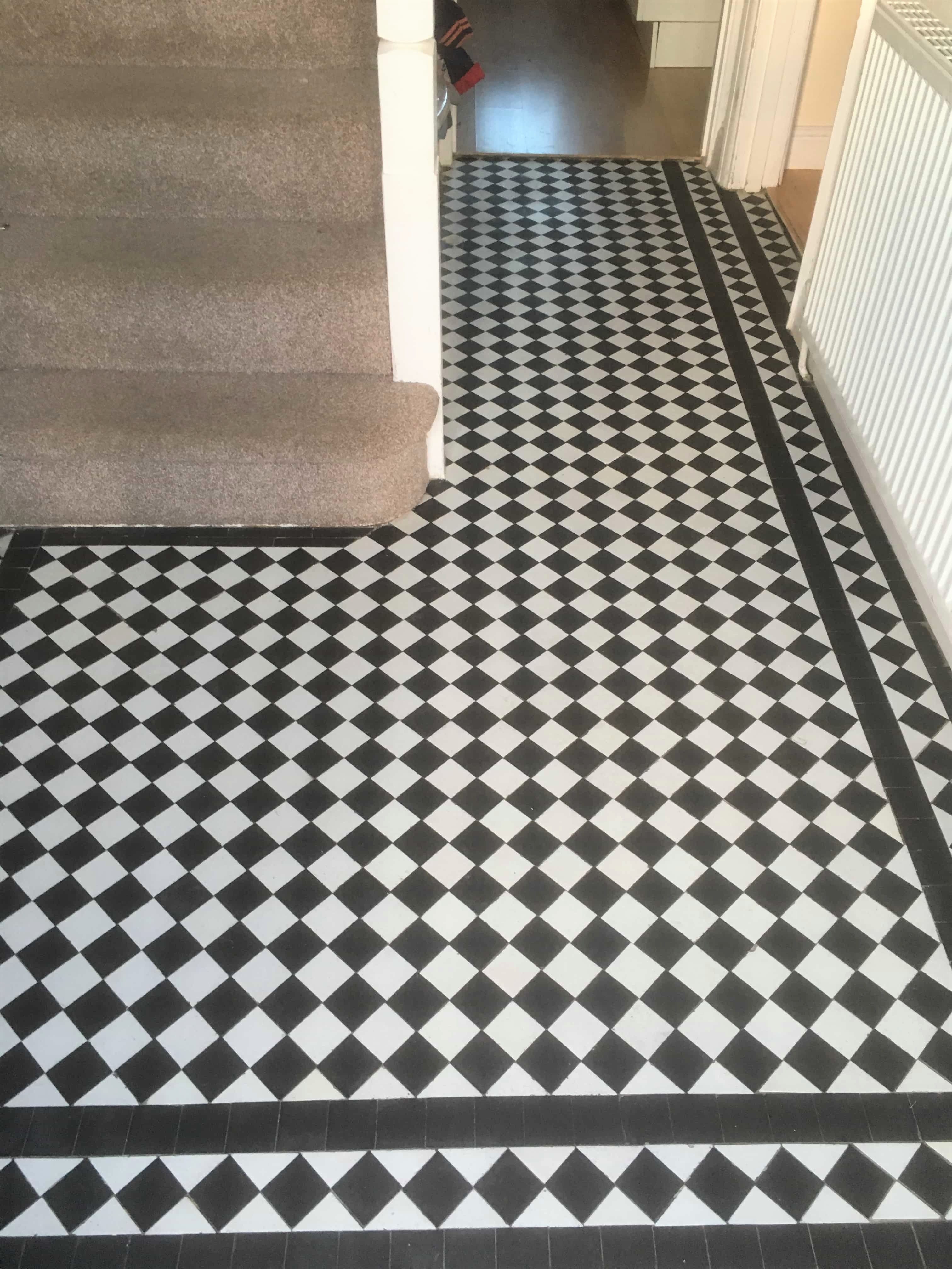 Chequered Victorian tiled hallway Floor Oxford After Restoration